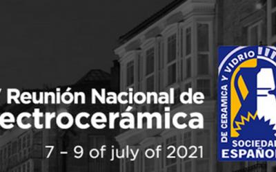 Lorena Pardo (ICMM) y Ana Castellanos-Aliaga (ICV) reciben los premios de la XV Reunión Nacional de Electrocerámica